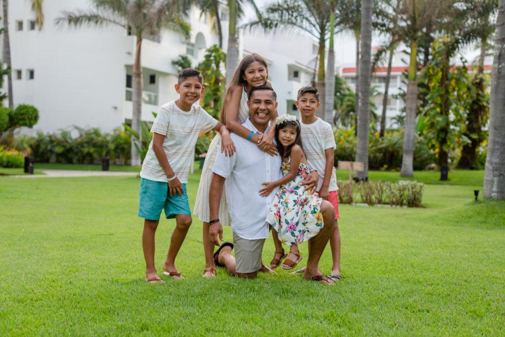 El error más común que cometen los padres de familia con sus hijos y cómo solucionarlo.